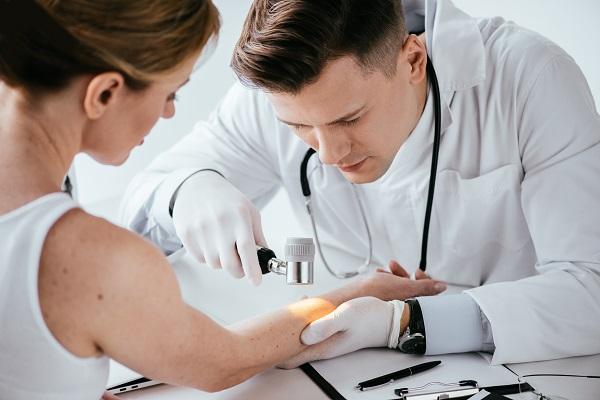 I migliori dermatologi di Milano si trovano presso lo Studio Dermatologico Bianchi